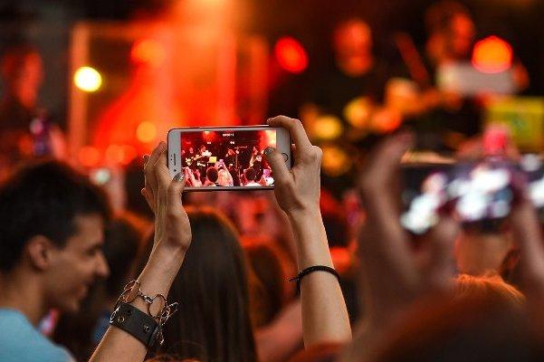 Яблоку негде было упасть: в Москве прошел молодежный фестиваль «PROЛЕТО»
